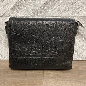 Frye | Leather Textured Large Messenger Bag Black